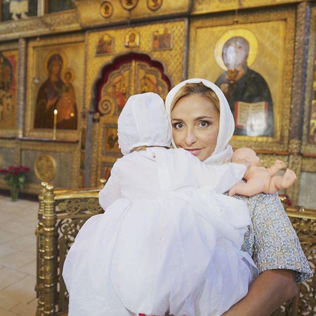 Татьяна Навка и Дмитрий Песков окрестили годовалую дочь