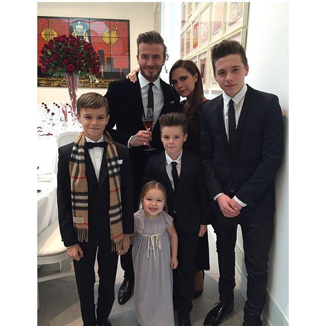 Виктория Бекхэм поздравила мужа с 16-летием их брака