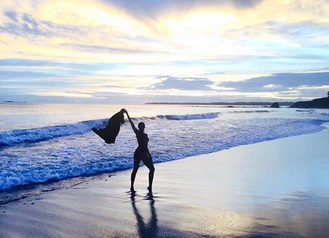 Певица Сиара поделилась яркими снимками с семейного отдыха в Мексике