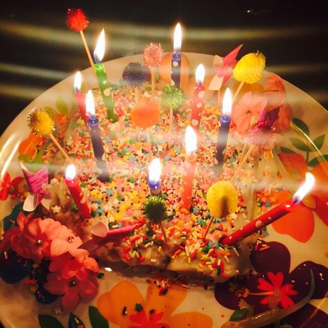 Папина дочь: эпатажная Майли Сайрус устроила вечеринку для отца