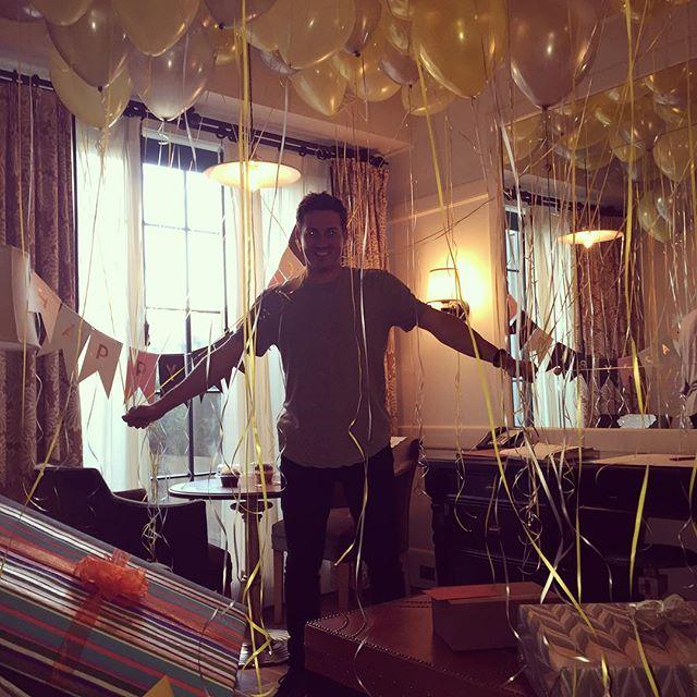 Семейный праздник: Лив Тайлер показала младшего сына на дне рождении своего возлюбленного