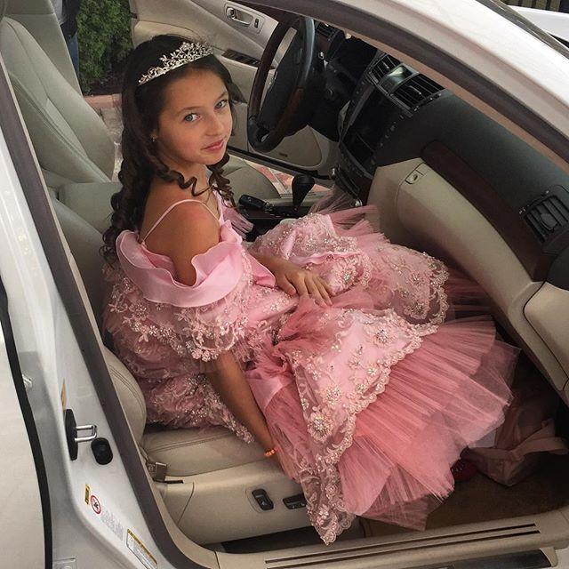 Роскошный сюрприз: дочери Анастасии Волочковой подарили первые бриллианты