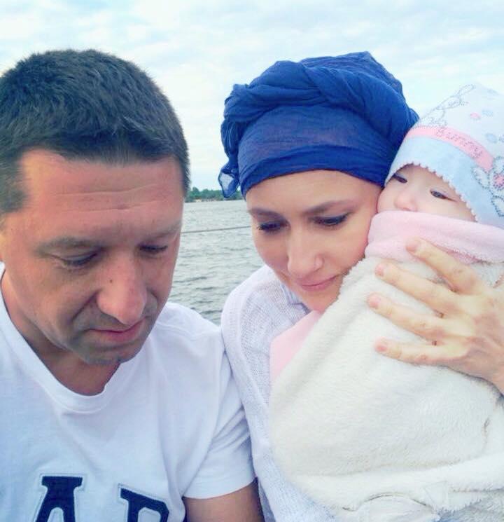 Алена Мозговая и Владимир Ткаченко показали дочь
