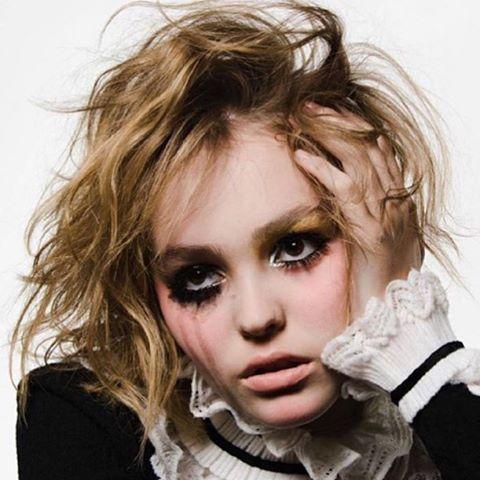 Дочь Джонни Деппа и Ванессы Паради снялась для Vogue