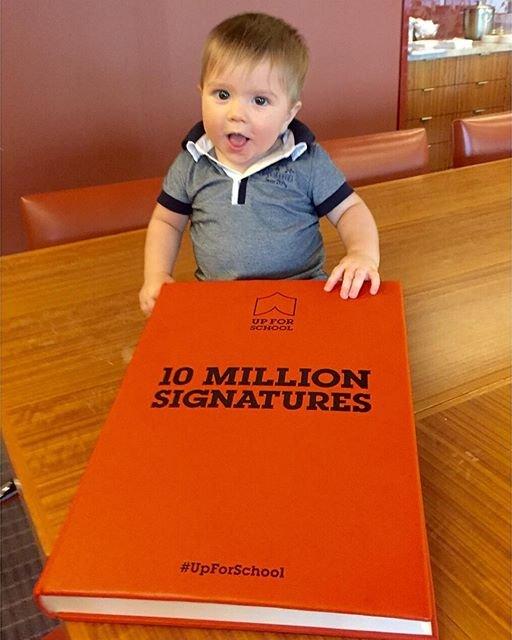 8-месячный сын Шакиры принял участие в социальной акции