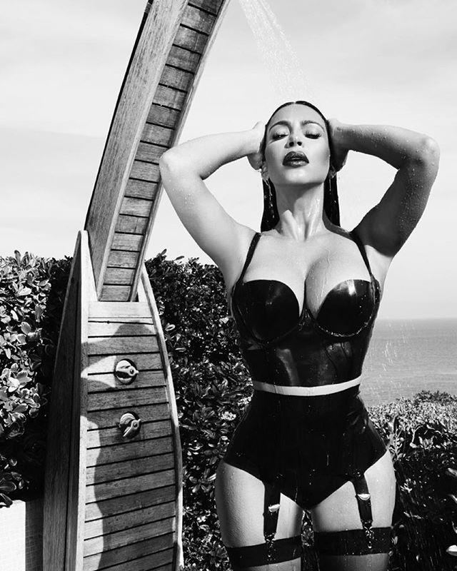 С днем рождения, Ким Кардашьян: самые горячие фото сексуальной красотки за год