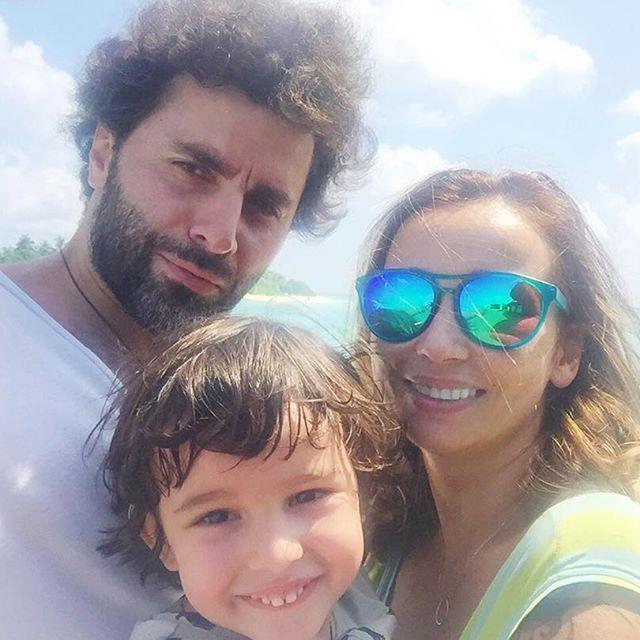 Анфиса Чехова поделилась новыми снимками с семейного отдыха