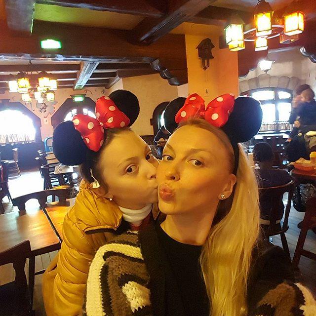 Оля Полякова отпраздновала день рождения младшей дочери в Париже