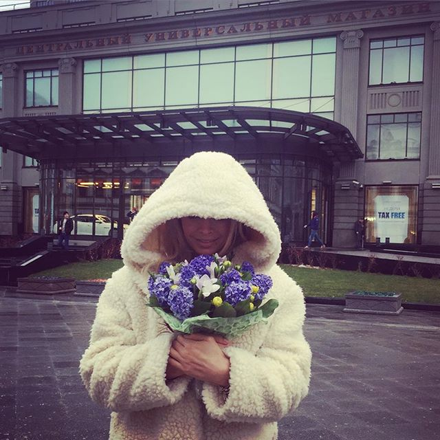 Вера Брежнева празднует 34-летие