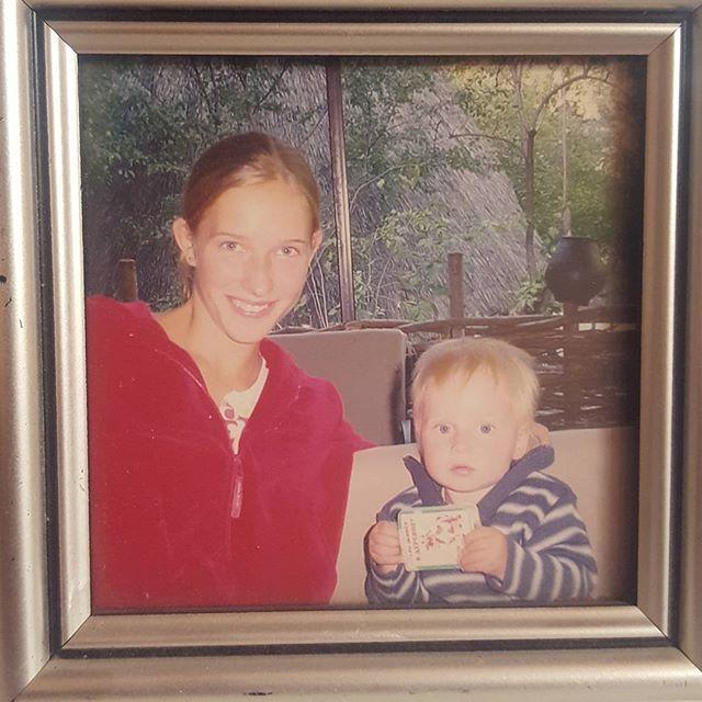 Семейный архив: Катя Осадчая показала, как выглядела в 20 лет