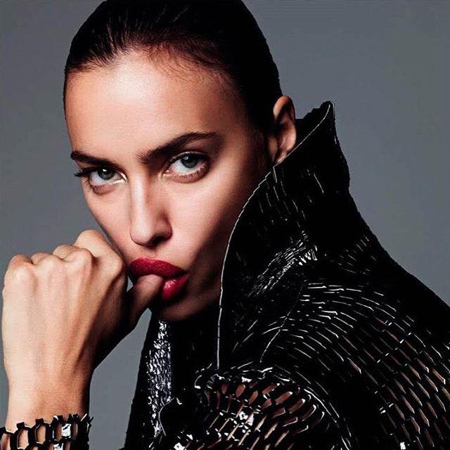 Лучшая из лучших: Ирина Шейк соблазняет на страницах модного глянца