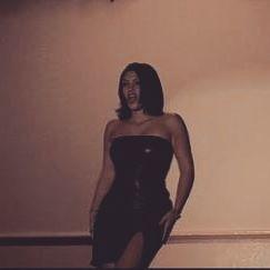 Редкое фото: Ким Кардашьян показала, как выглядела в 18 лет