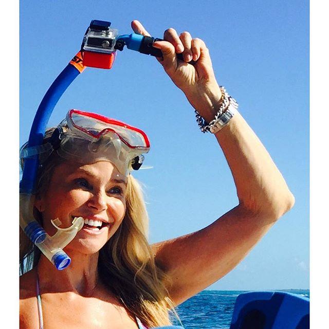 62-летняя Кристи Бринкли продемонстрировала шикарную фигуру в купальнике
