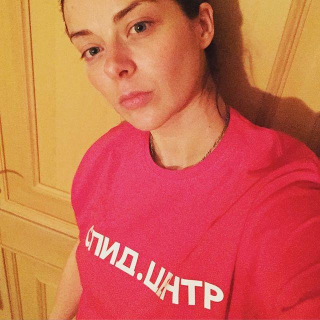 Молодая мама Марина Александрова показала лицо без мейкапа