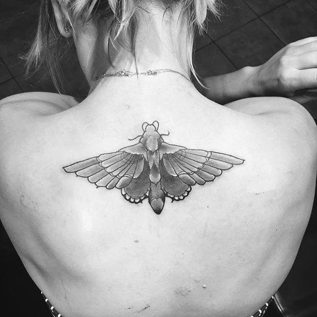 Кейли Куоко избавилась от татуировки, посвященной мужу