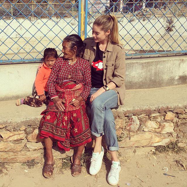 Доброе сердце: Даутцен Крус с благотворительной миссией посетила Непал