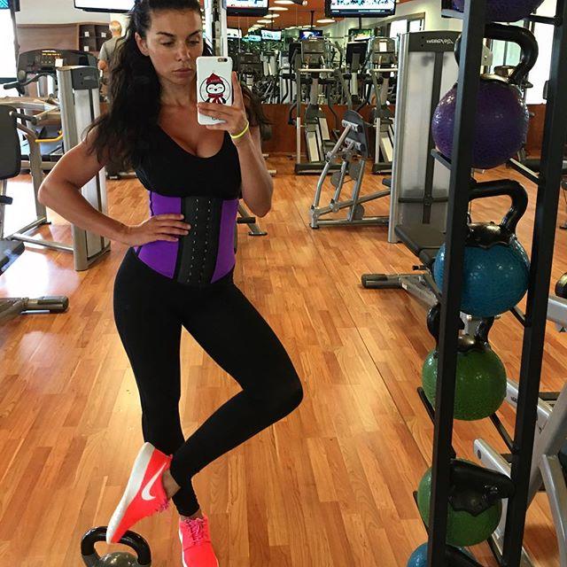 Анна Седокова рассказала, от какого продукта она худеет