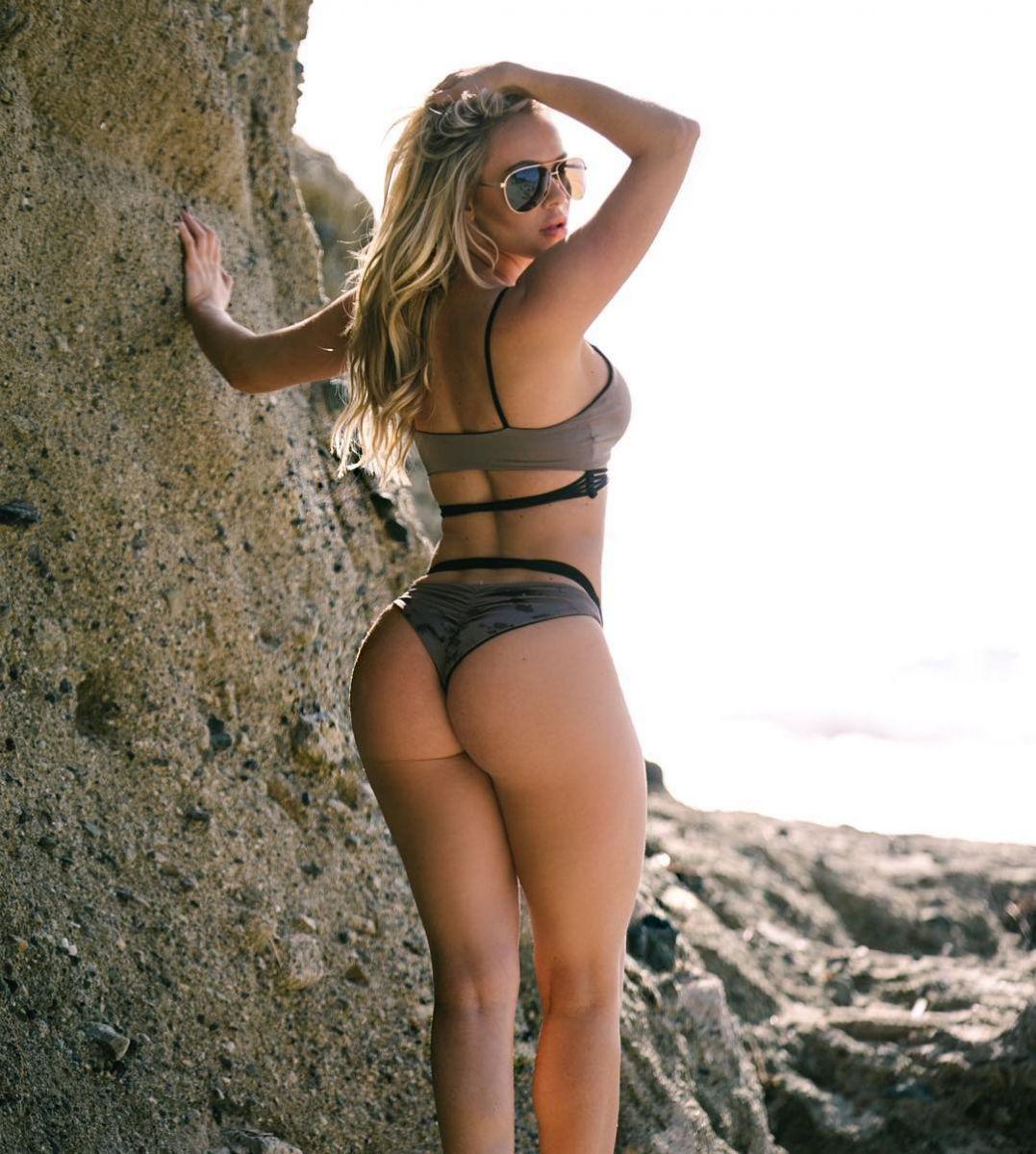 34-летняя звезда Playboy умерла после инсульта