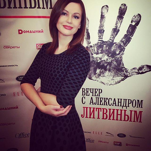 50-летняя Ирина Безрукова поражает своей молодостью