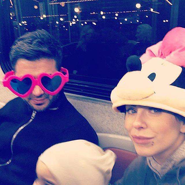 Ани Лорак впервые опубликовала семейное фото с мужем и дочерью