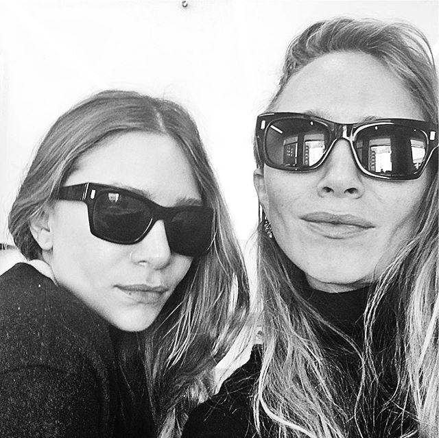 Мэри-Кейт и Эшли Олсен опубликовали первое селфи