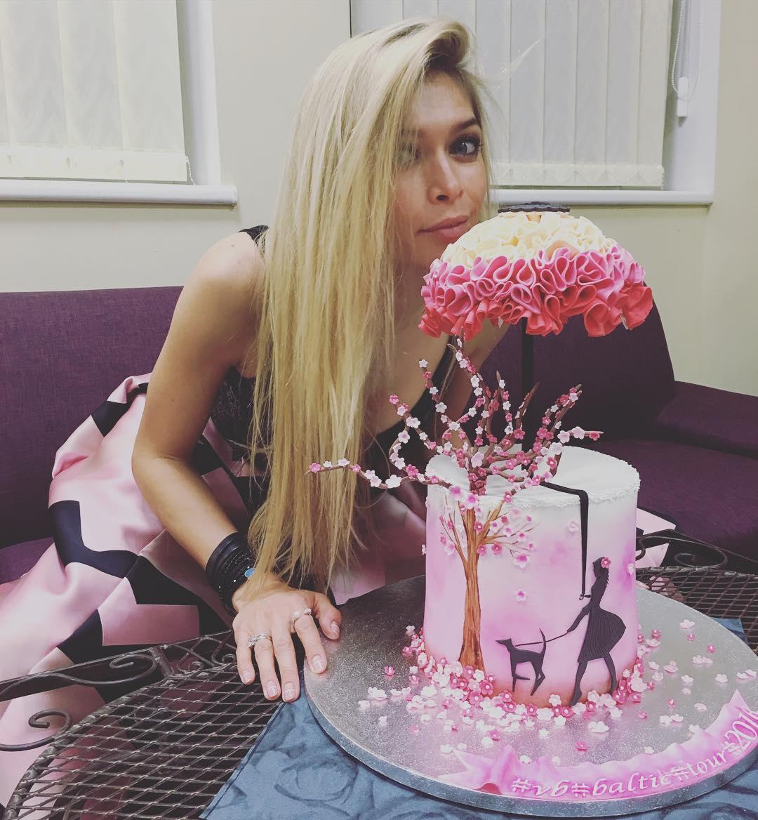 Вера Брежнева поздравила Альбину Джанабаеву с днем рождения