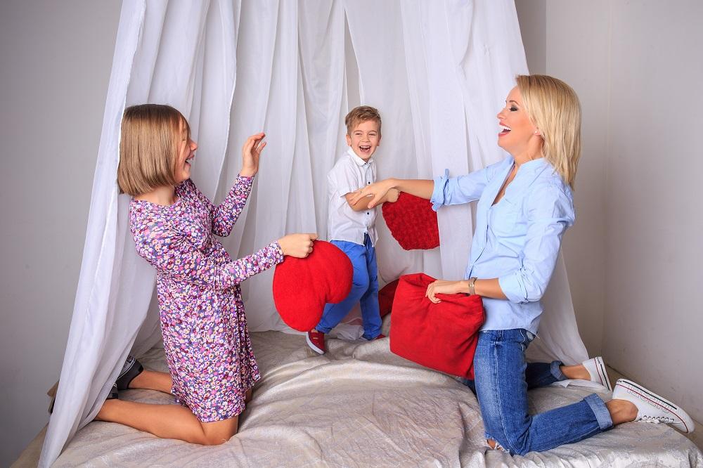 Оксана Гутцайт снялась в фотосессии с мужем и детьми