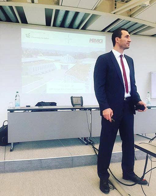 Владимир Кличко стал преподавателем швейцарского университета