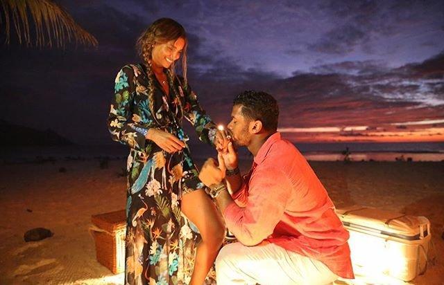 """Она сказала """"да"""": Сиара и Рассел Уилсон помолвлены"""
