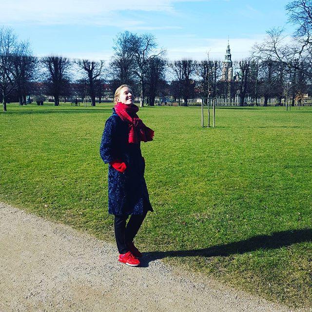 Катя Осадчая отказалась от косметики во время путешествия в Данию
