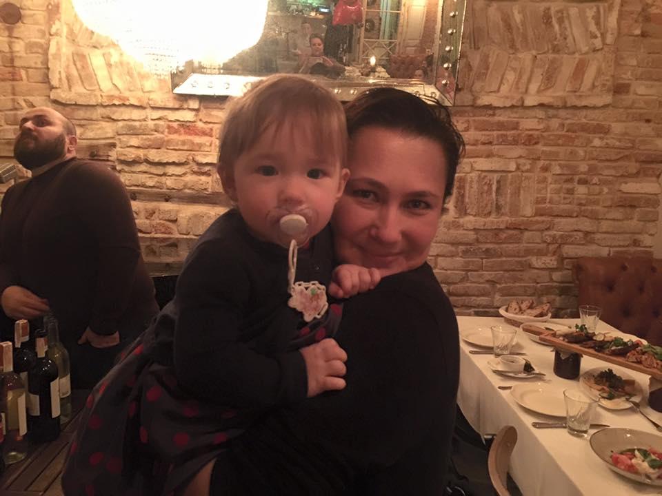 Алена Мозговая показала свою подросшую дочь