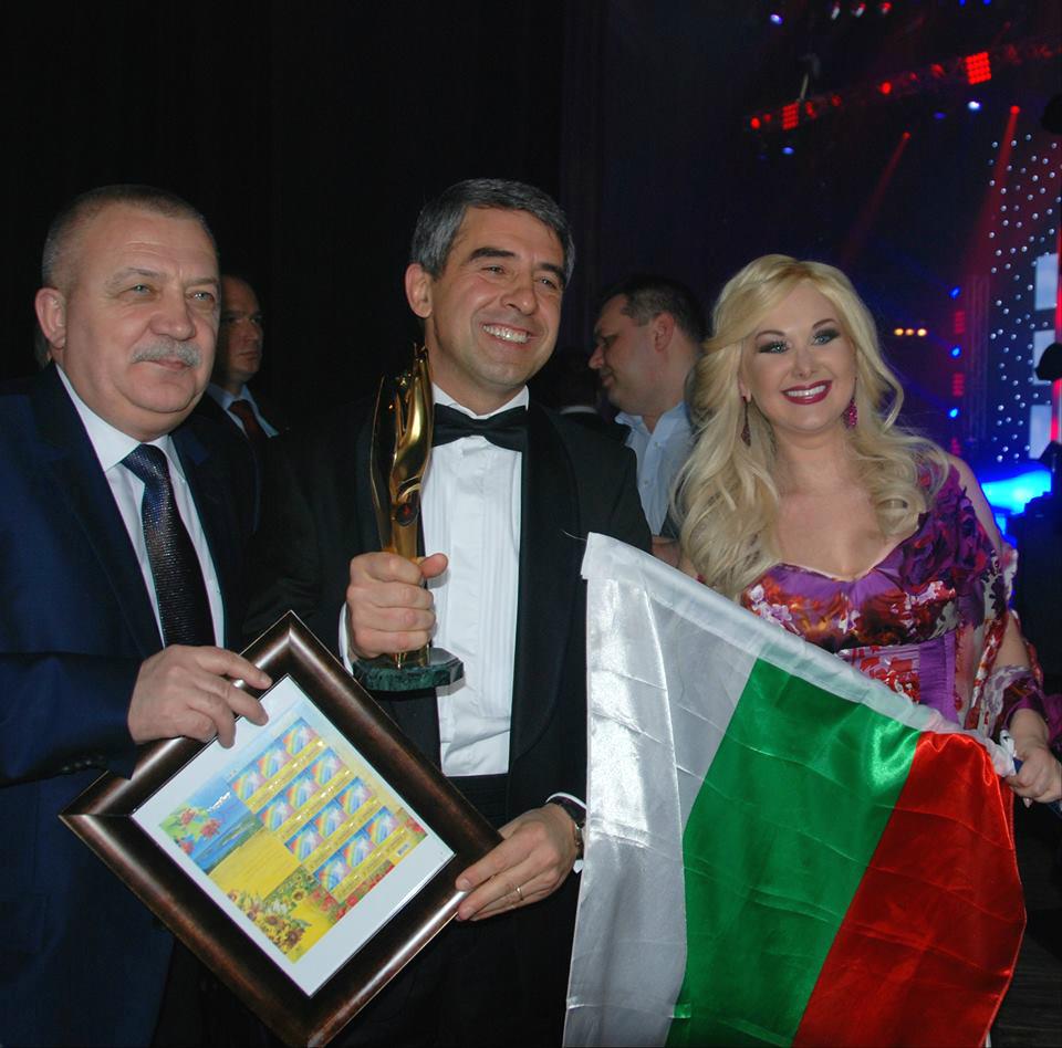 Певица Екатерина Бужинская спела с президентом