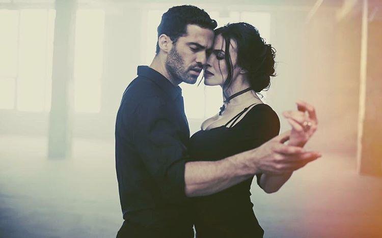 """""""История любви"""": Надежда Мейхер снялась в страстной фотосессии с танцором аргентинского танго"""