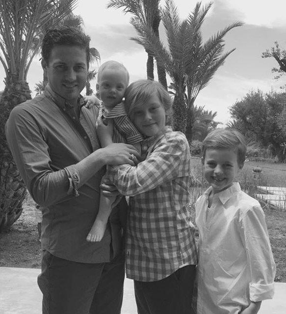 Любимые мужчины: Лив Тайлер поделилась снимком мужа и сыновей