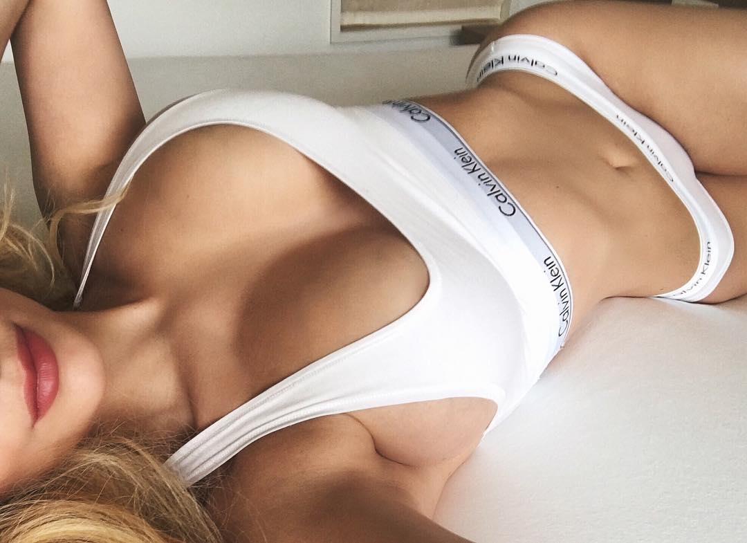 """Бывшая участница """"ВИА Гры"""" рассказала секрет своего идеального тела"""