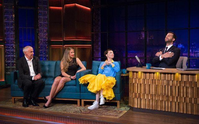 Российскую актрису Чулпан Хаматову раскритиковали за сине-желтый наряд