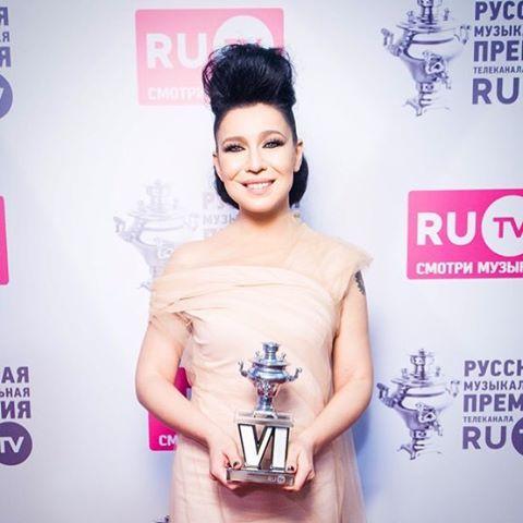 Елка и Анна Седокова победили в российской музыкальной премии