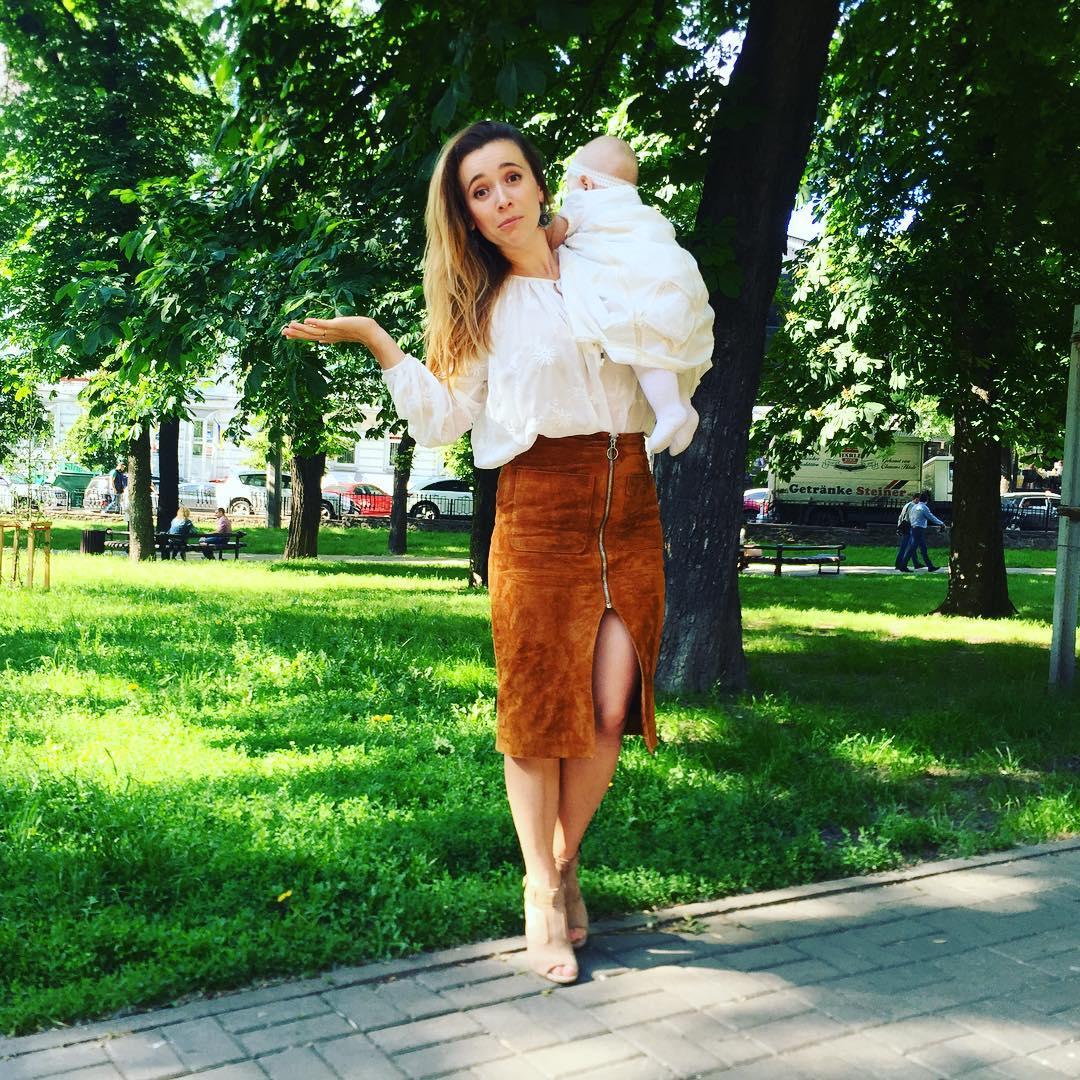 """Звезда шоу """"Орел и решка"""" Настя Короткая показала подросшую дочь"""