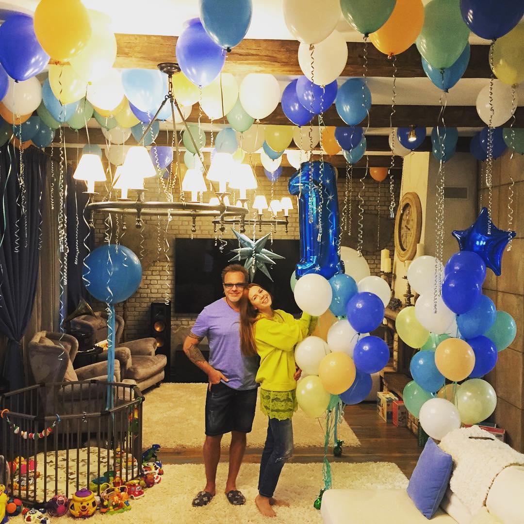 Владимир Пресняков и Наталья Подольская отпраздновали первый день рождения сына