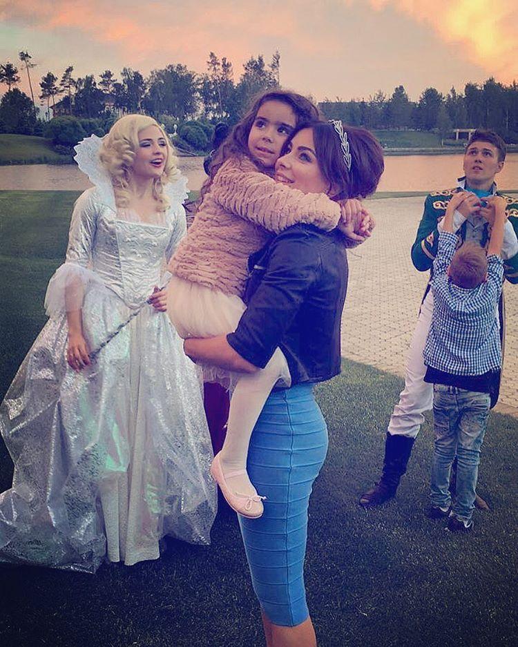 """Ани Лорак: """"У меня есть теперь лучшая подружка — моя дочка"""""""