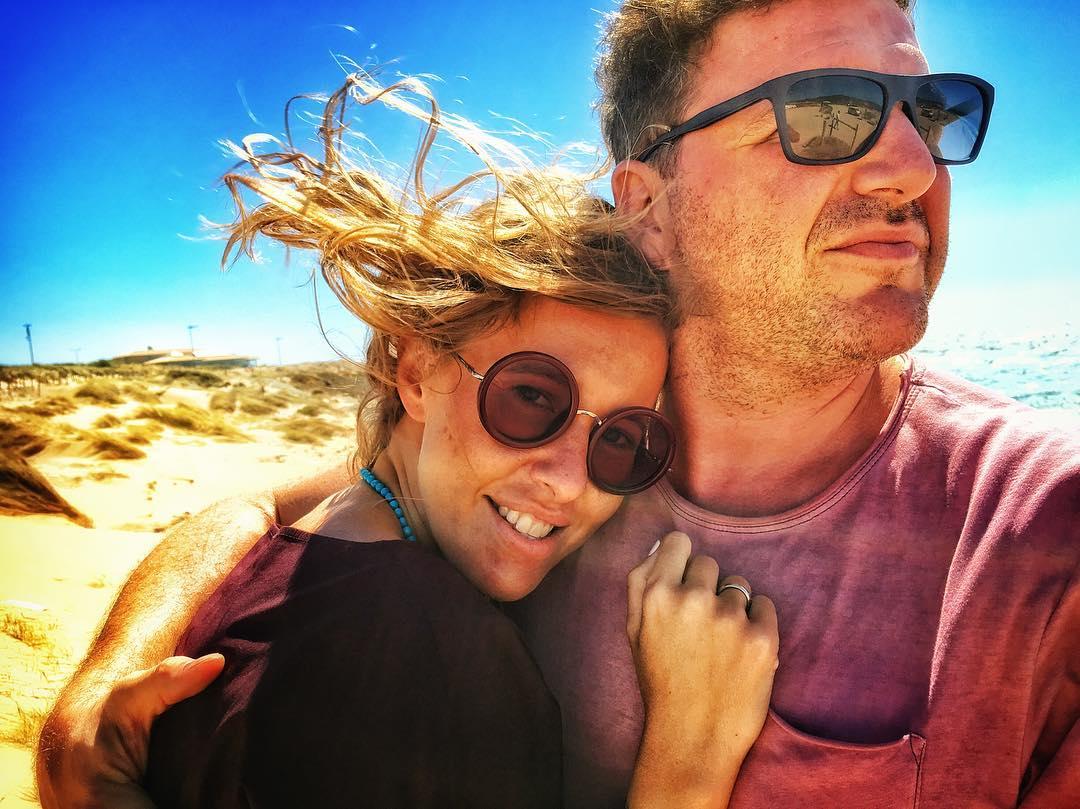 Влюблены и счастливы: Ксения Собчак и Максим Виторган отдыхают в Португалии