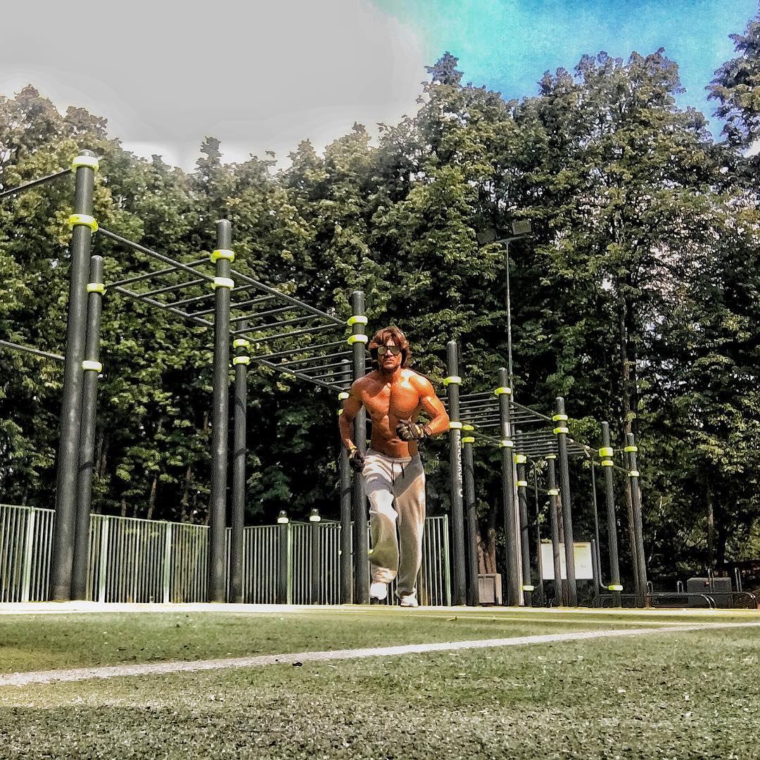Красавчик-муж Ирины Билык показал, как занимается спортом