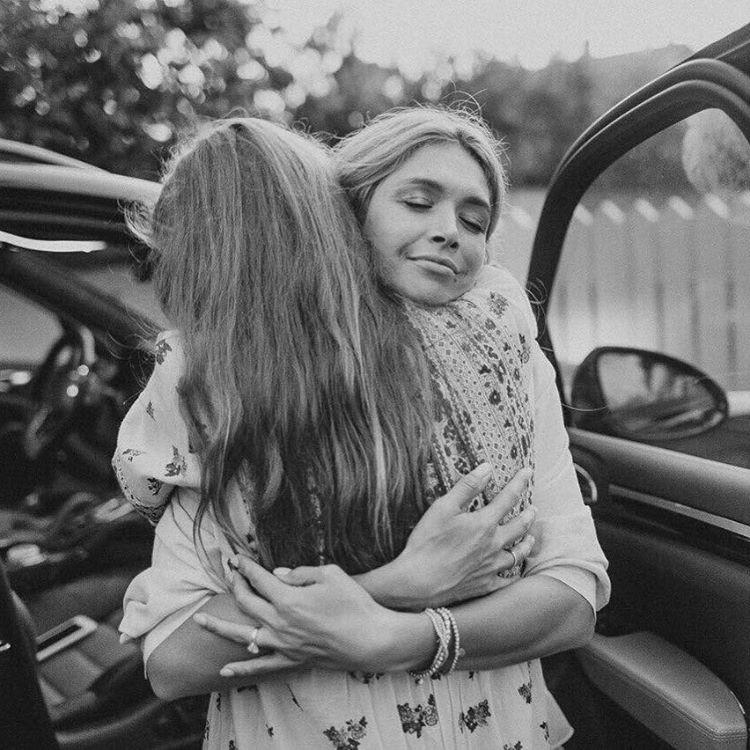 Дочь Веры Брежневой показала, как проводит свои американские каникулы