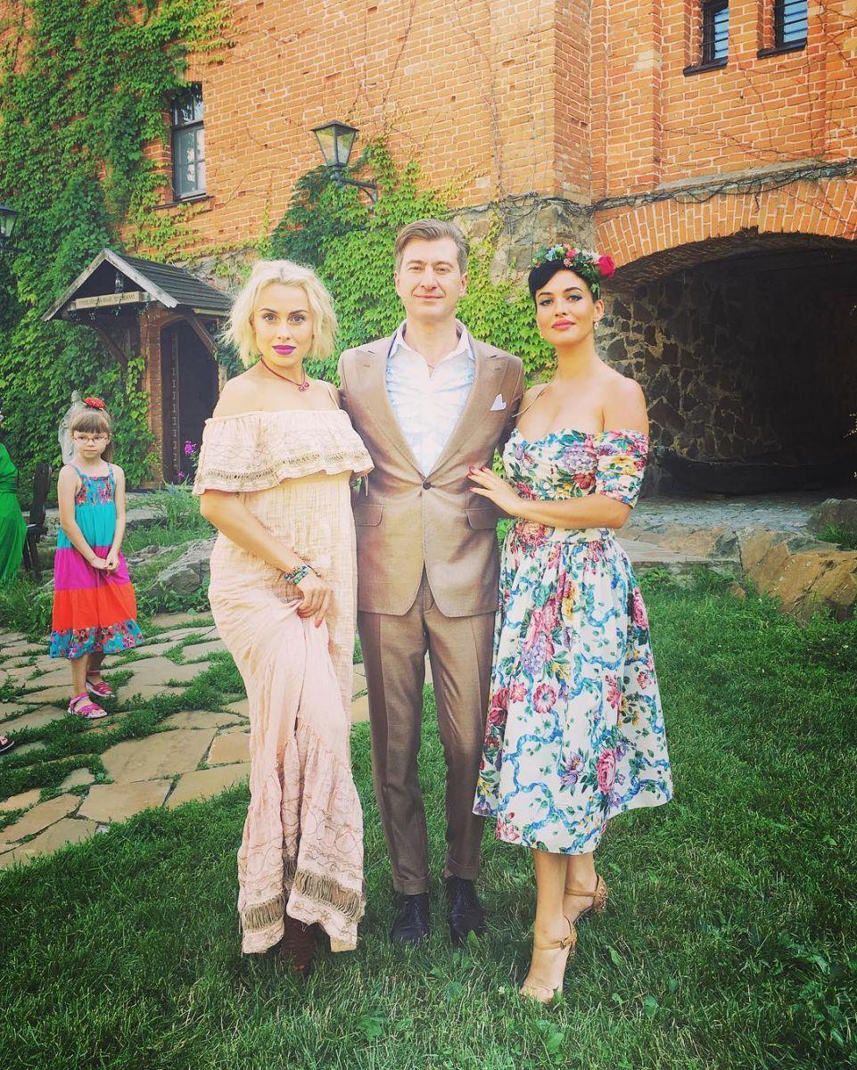 В сети появились первые снимки со свадьбы Ольги Горбачевой и Юрия Никитина в украинском стиле