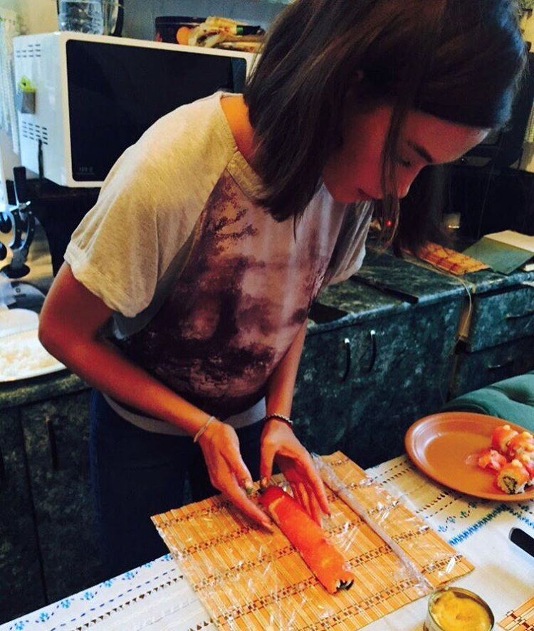 Мария Яремчук поделилась новыми снимками с короткой стрижкой