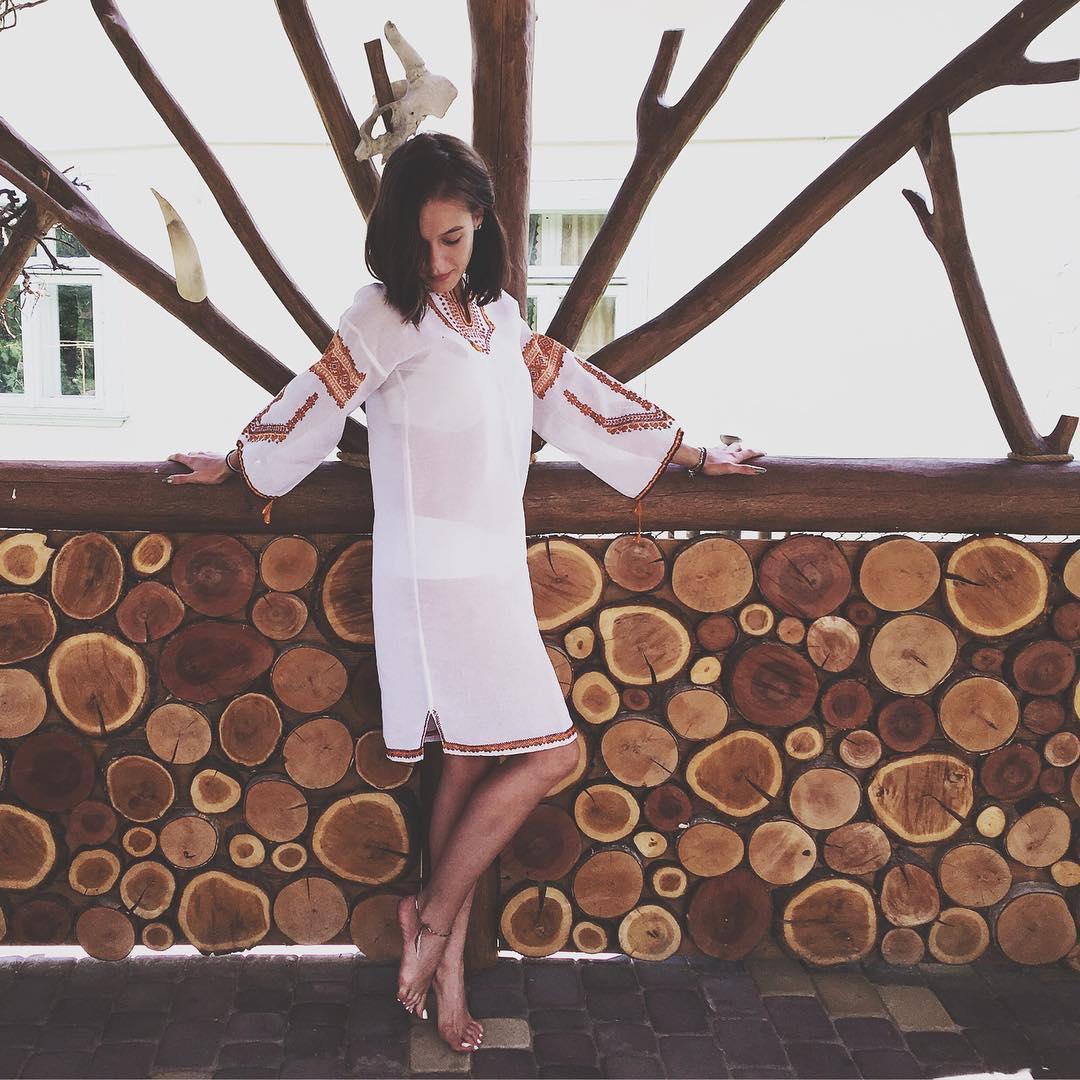 Мода по-украински: Мария Яремчук поделилась фото в вышиванке