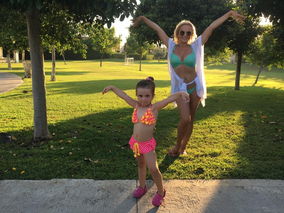 Лилия Ребрик наслаждается семейным отдыхом в теплых краях