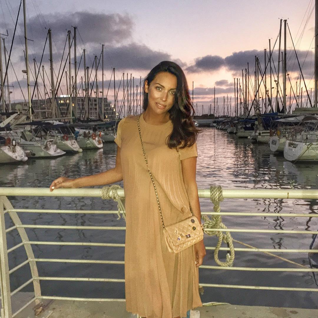 Алсу родит третьего ребенка в Израиле