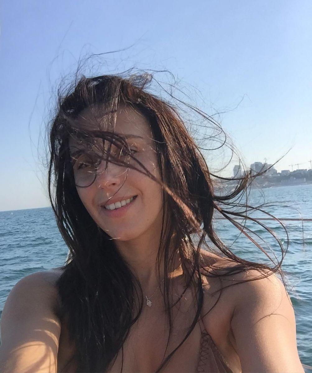 Джамала показала фигуру в купальнике на отдыхе в Одессе