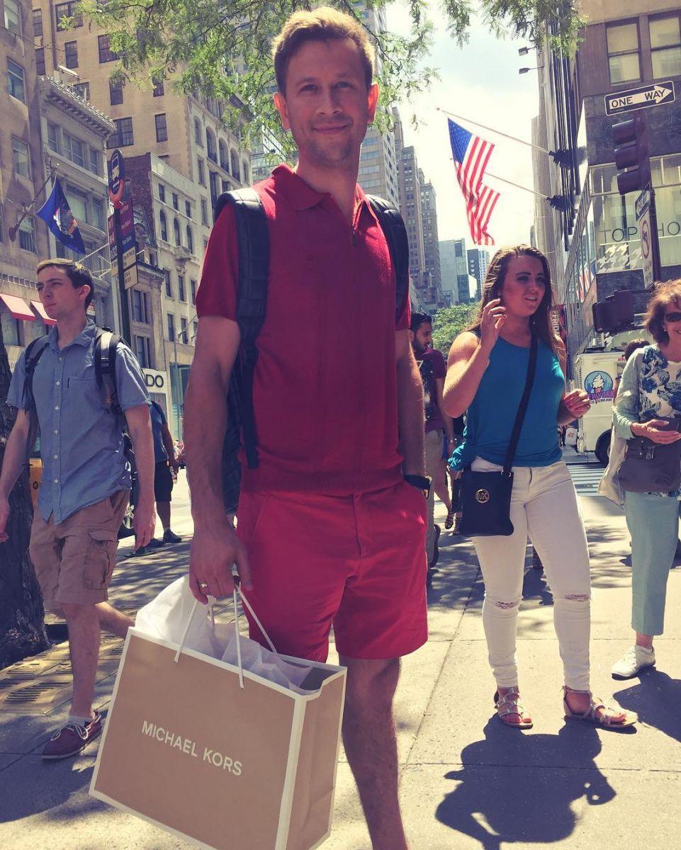 Дмитрий Ступка вместе с молодой женой наслаждается медовым месяцем в США